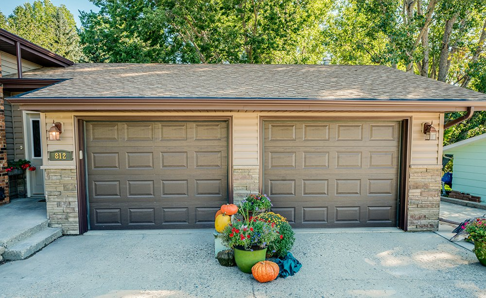 yanish-custom-exteriors-garage-doors-0006
