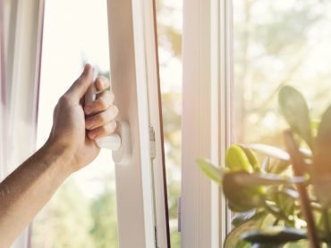 5 Common Misconceptions About Vinyl Windows